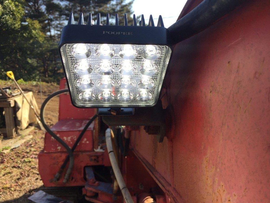 LED作業灯に交換したら明るくて快適
