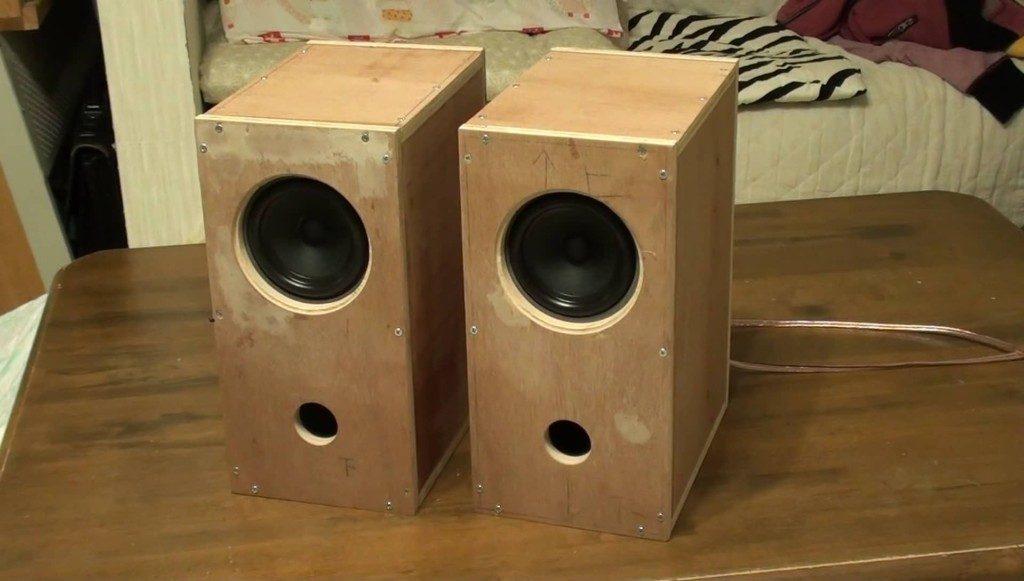 Fostex P1000KにスピーカーBOXを自作してテレビの音を改善