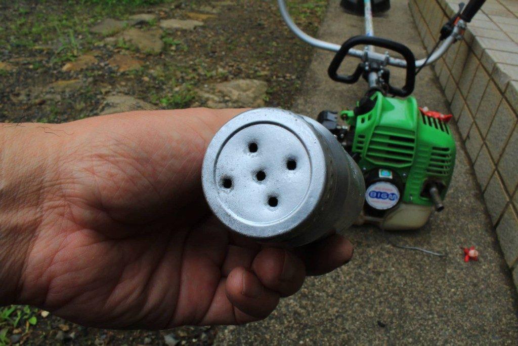 草刈機(刈払い機)にサイレンサーを自作