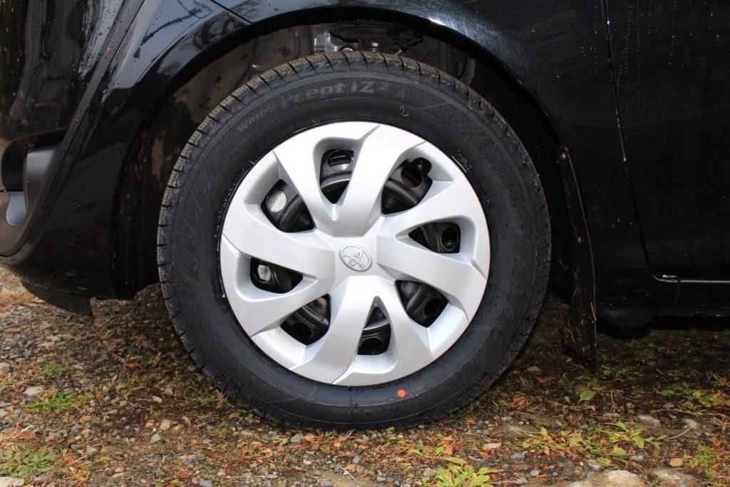 シエンタにスタッドレスタイヤを装着:少しサイズアップ