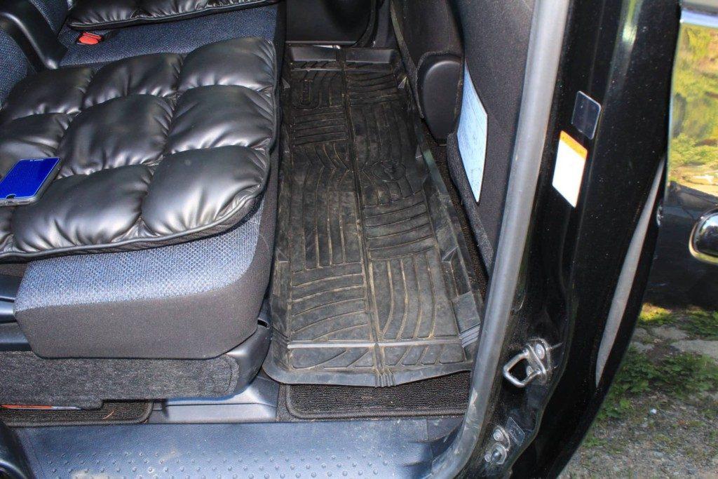 車内の泥対策におすすめマット|シエンタ日記
