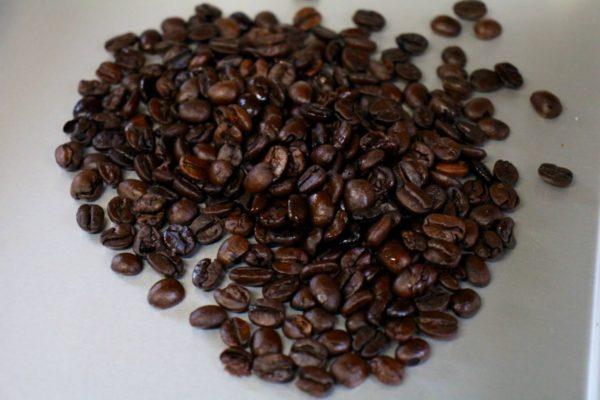 コーヒー豆を芳香剤に!(欠点豆編)ついでに試飲。