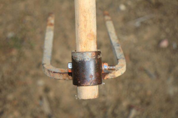 鍬(クワ)や三又の柄を絶対抜けない様に修理交換する方法